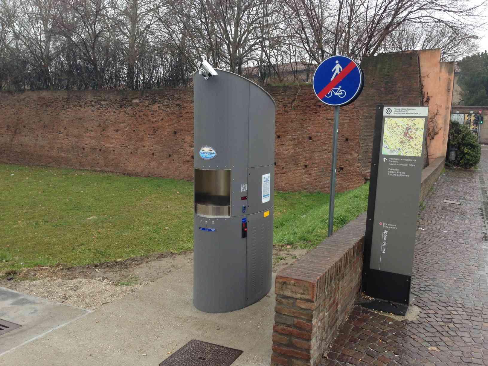 Installato un distributore automatico di acqua potabile in via Kennedy