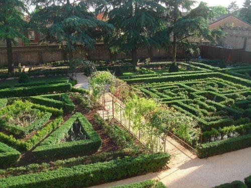 Riportati A Nuova Vita I Giardini Storici Del Palazzo Di