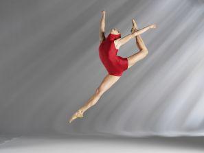 Danza classica lezione di perfezionamento con sorina serban for Immagini di ballerine di danza moderna